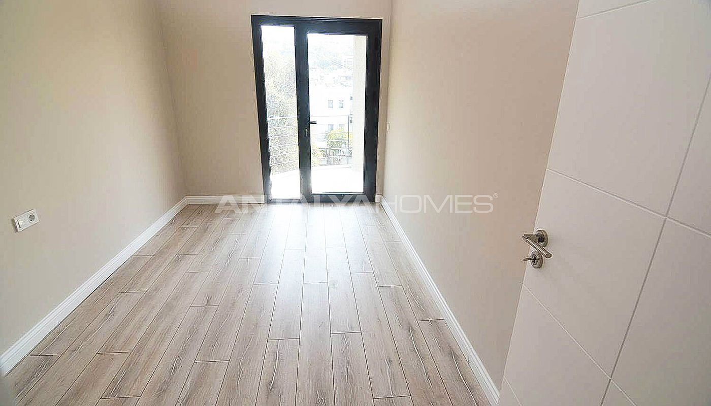 centrally-apartments-with-sea-view-in-yalikavak-bodrum-interior-004.jpg