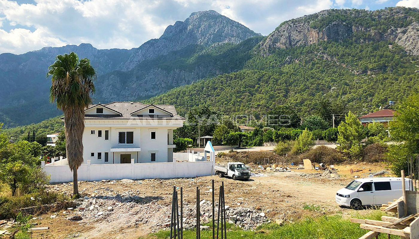 luxury-houses-with-nature-view-in-kemer-goynuk-construction-004.jpg
