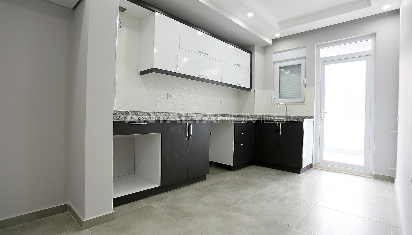 modern-apartments-5-minutes-distance-to-antalya-center-interior-004.jpg