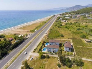 beachfront-villas-surrounded-by-nature-in-alanya-turkey-main.jpg