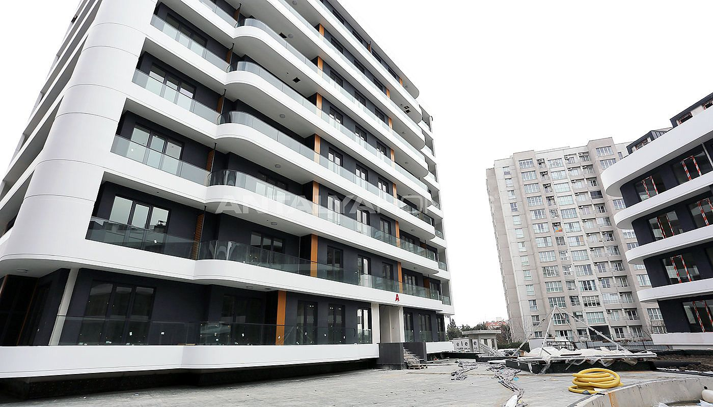 contemporary-istanbul-apartments-with-smart-home-system-construction-005.jpg