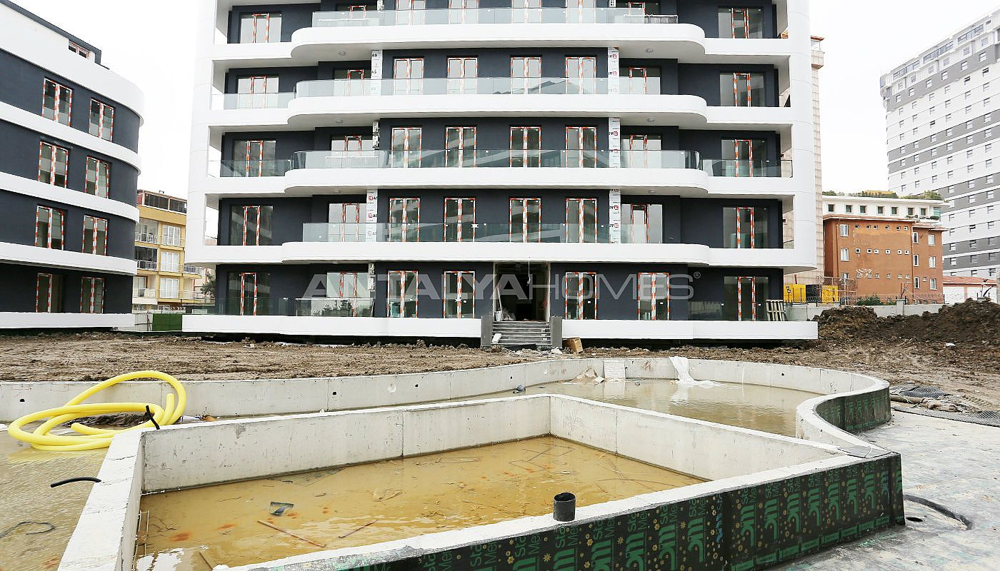 contemporary-istanbul-apartments-with-smart-home-system-construction-007.jpg