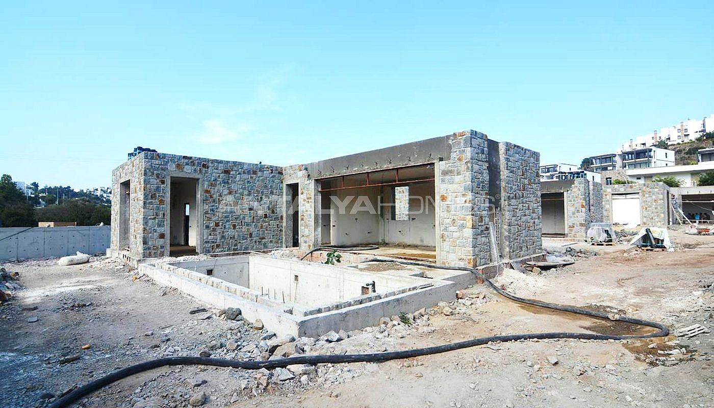 cozy-private-villas-with-excellent-location-in-bodrum-construction-001.jpg