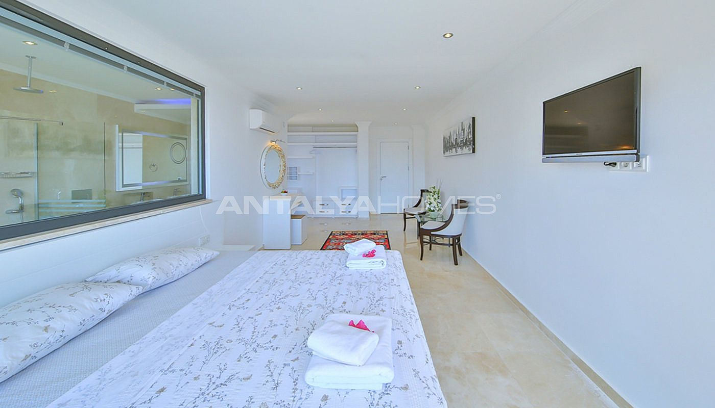 fully-furnished-villa-with-2-swimming-pools-in-kalkan-interior-009.jpg