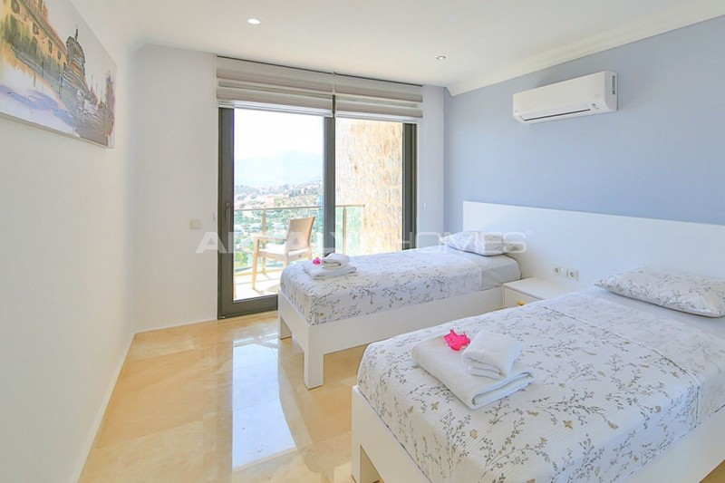 fully-furnished-villa-with-2-swimming-pools-in-kalkan-interior-012.jpg