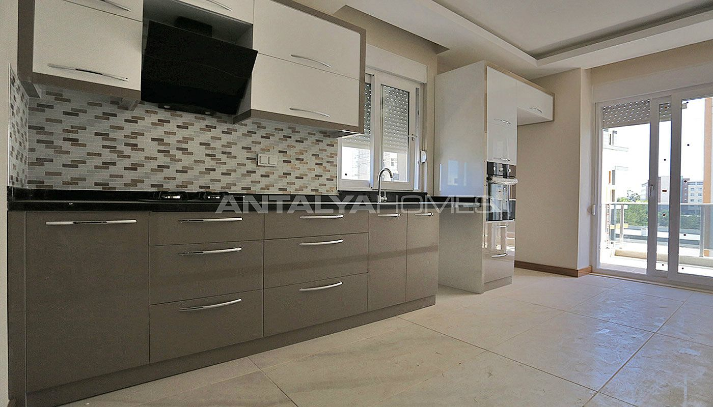 key-ready-antalya-apartments-in-kepez-with-separate-kitchen-interior-004.jpg