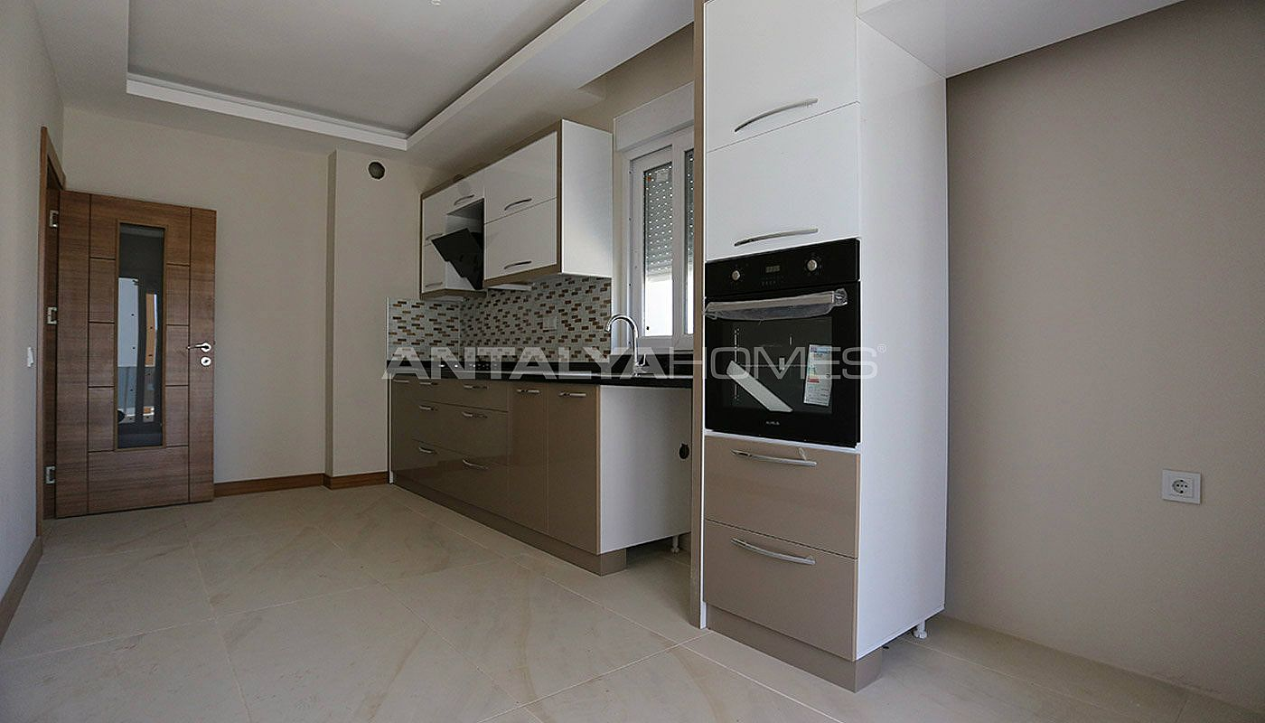 key-ready-antalya-apartments-in-kepez-with-separate-kitchen-interior-005.jpg