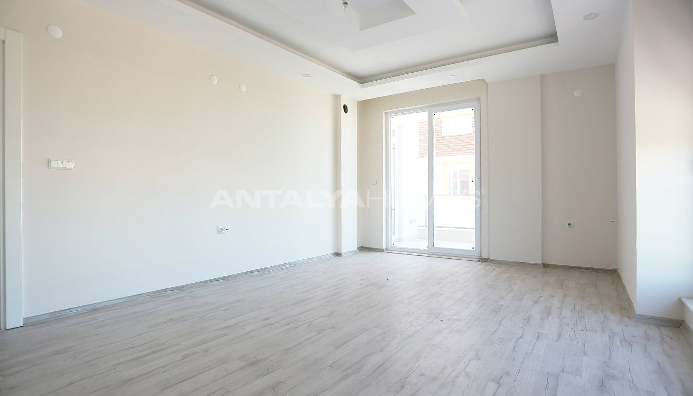 new-build-2-1-apartments-close-to-tram-station-in-kepez-interior-002.jpg