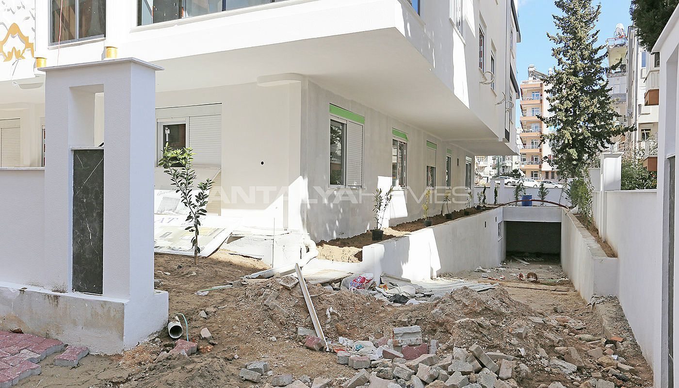 new-built-3-bedroom-apartments-in-the-center-of-antalya-construction-001.jpg