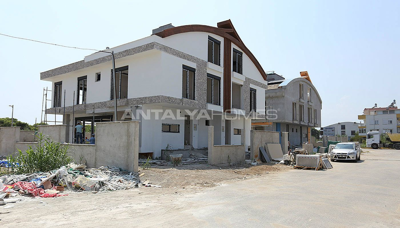 semi-detached-antalya-villas-with-private-swimming-pool-construction-001.jpg