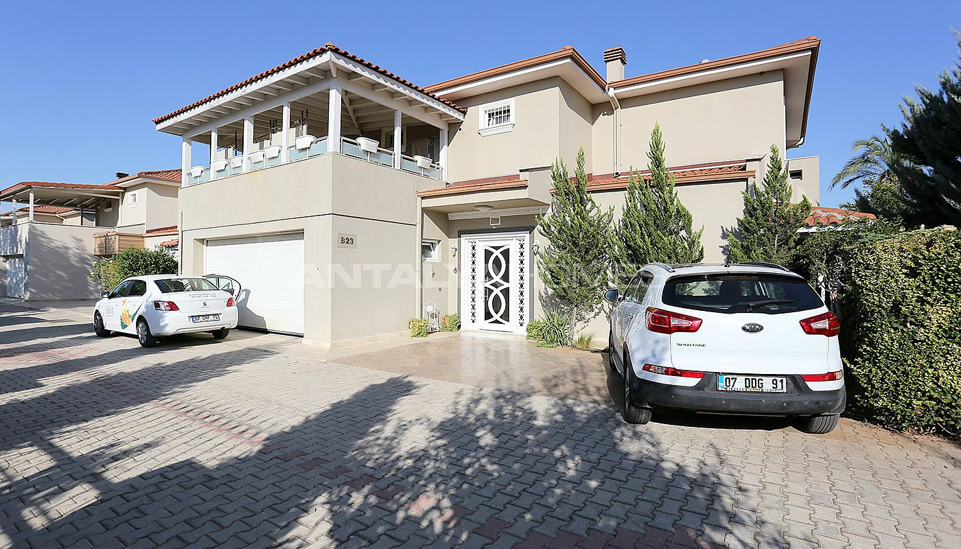 spacious-houses-with-rich-facilities-in-antalya-002.jpg