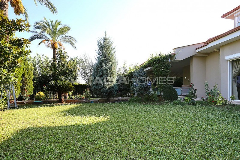 spacious-houses-with-rich-facilities-in-antalya-006.jpg