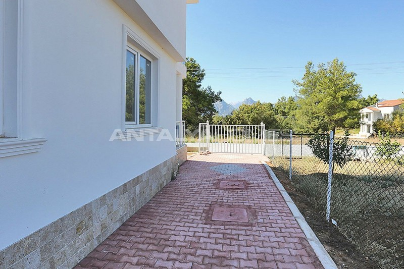 turnkey-villas-intertwined-with-nature-in-antalya-011.jpg