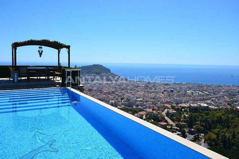 ultra-lux-furnished-villa-with-infinity-pool-in-alanya-001.jpg