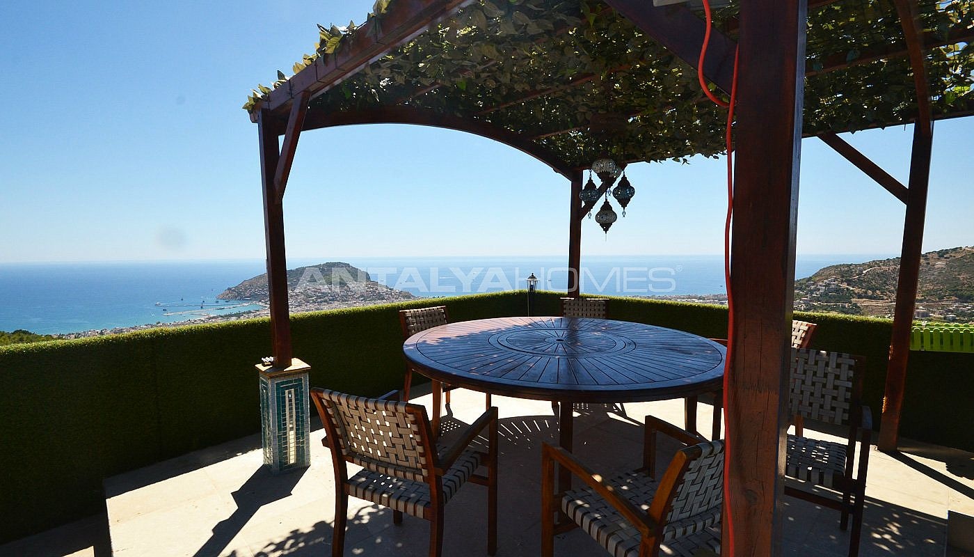 ultra-lux-furnished-villa-with-infinity-pool-in-alanya-003.jpg