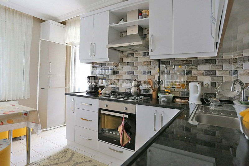 3-1-apartment-in-lara-with-separate-kitchen-and-natural-gas-interior-006.jpg