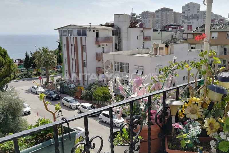 antalya-apartment-with-sea-view-from-terrace-interior-018.jpg