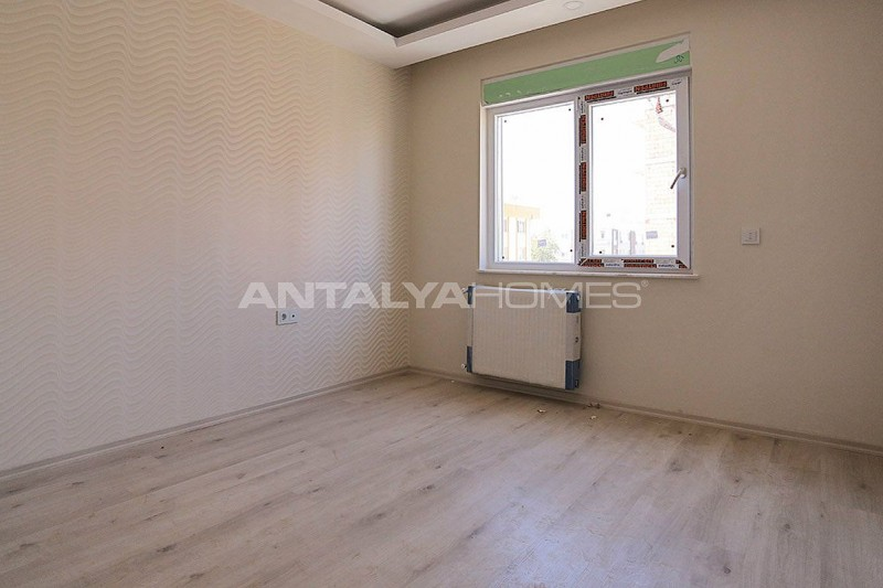 centrally-located-antalya-apartments-with-separate-kitchen-interior-011.jpg