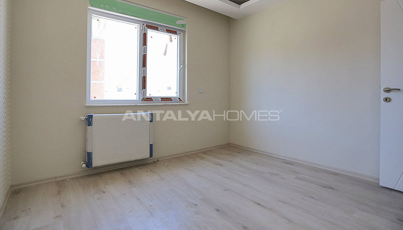centrally-located-antalya-apartments-with-separate-kitchen-interior-013.jpg
