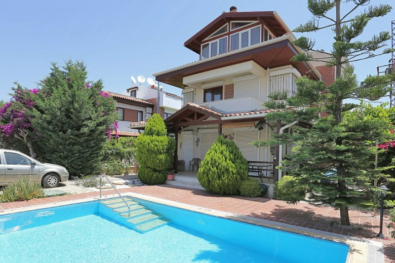 fully-furnished-belek-villa-with-private-pool-and-garden-main.jpg