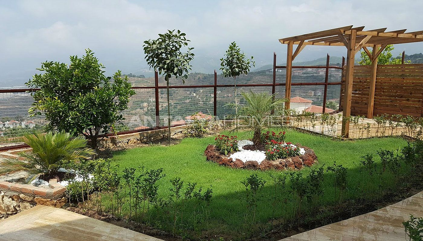 fully-furnished-villa-overlooking-alanya-castle-and-sea-006.jpg