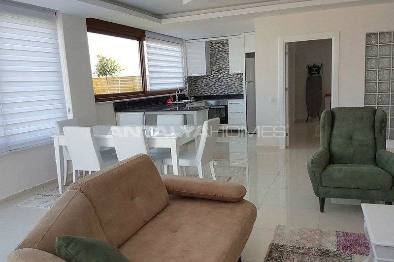 fully-furnished-villa-overlooking-alanya-castle-and-sea-interior-002.jpg