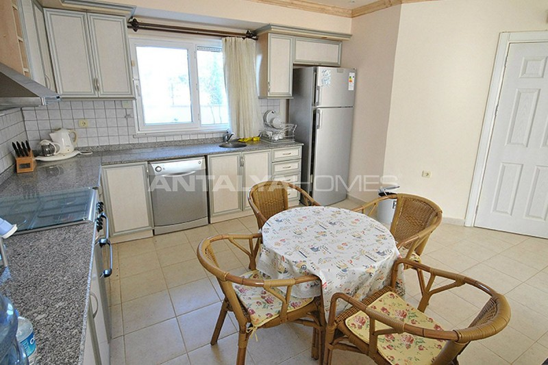 furnished-house-walking-distance-to-the-beach-in-kemer-interior-008.jpg