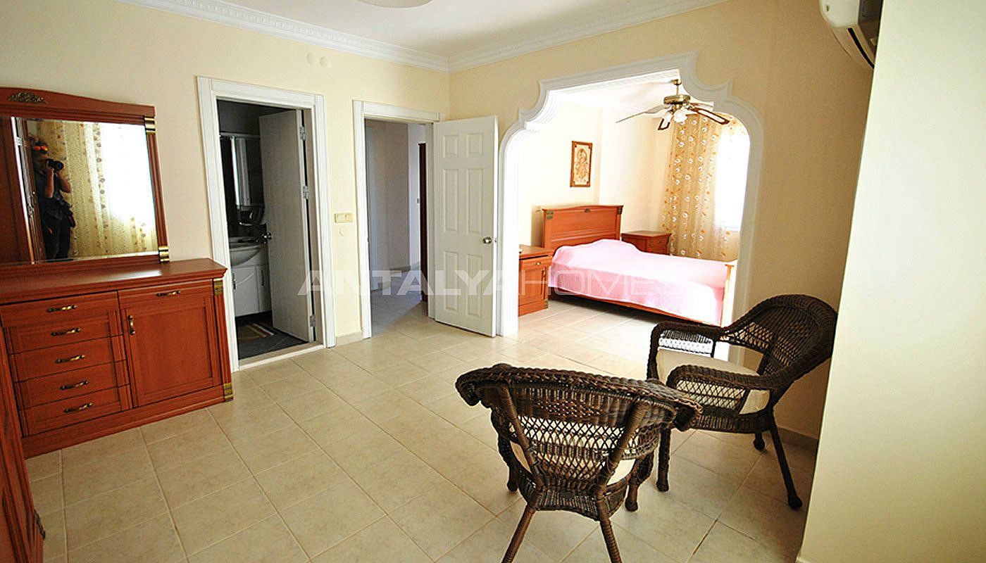 furnished-house-walking-distance-to-the-beach-in-kemer-interior-010.jpg
