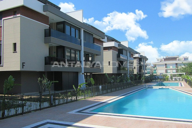 high-quality-lara-flats-in-the-low-rise-complex-007.jpg