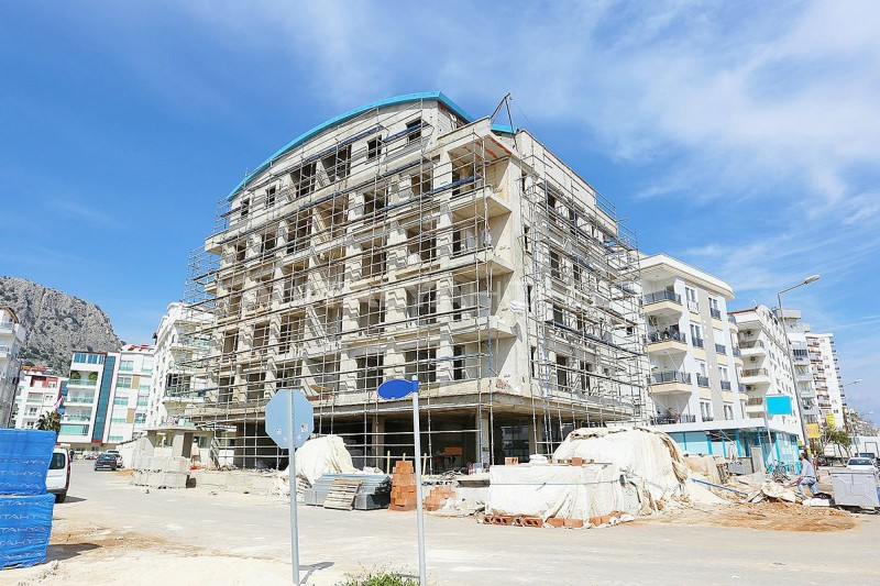modern-real-estate-with-swimming-pool-in-antalya-construction-001.jpg