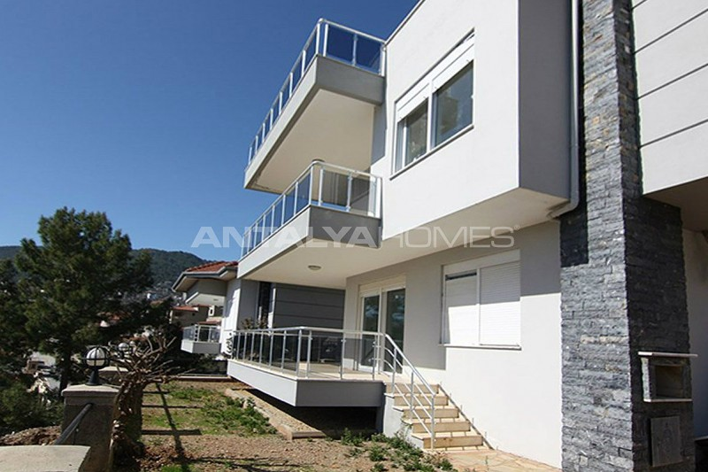 sea-view-5-1-villa-in-alanya-with-rich-features-007.jpg