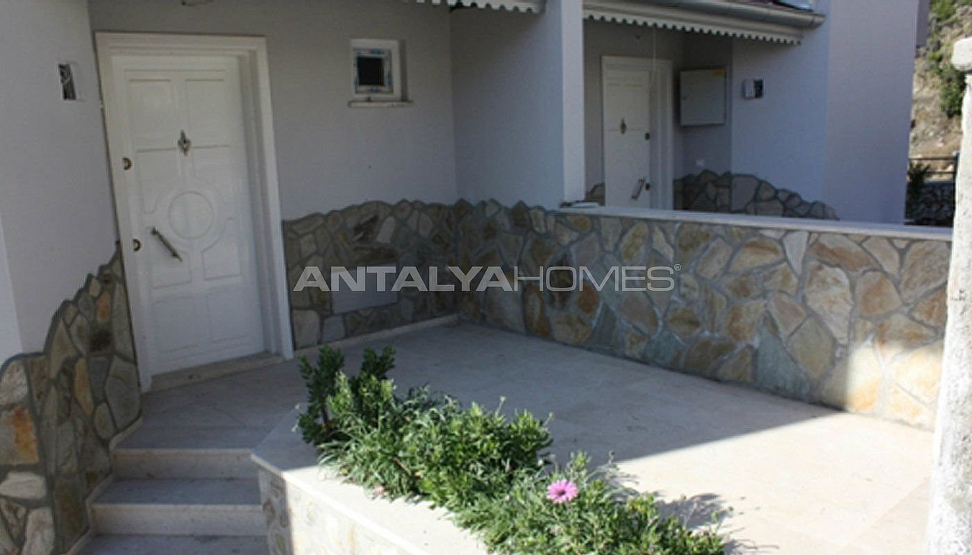 sea-view-5-1-villa-in-alanya-with-rich-features-012.jpg