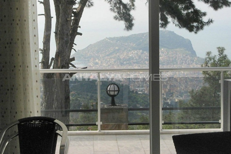sea-view-5-1-villa-in-alanya-with-rich-features-interior-007.jpg