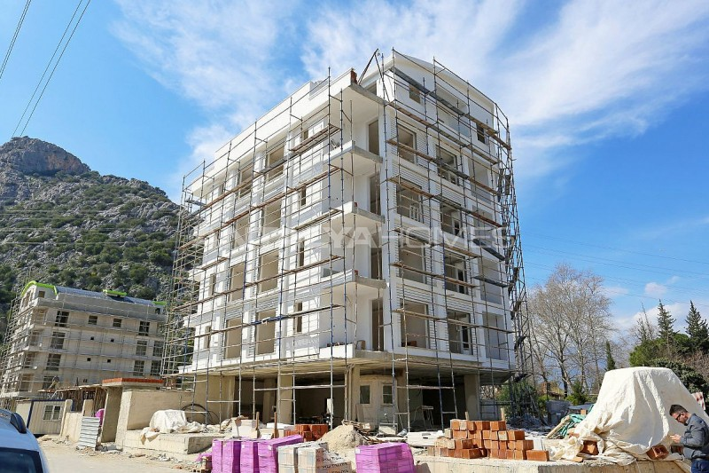 well-positioned-cozy-apartments-in-antalya-turkey-construction-001.jpg