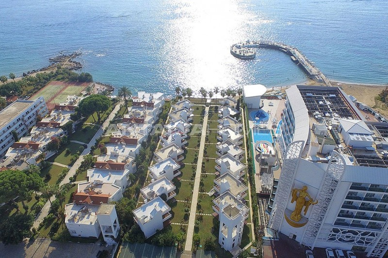 detached-alanya-houses-in-the-seafront-complex-in-avsallar-005.jpg