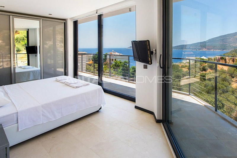 detached-house-in-kalkan-with-furniture-interior-002.jpg