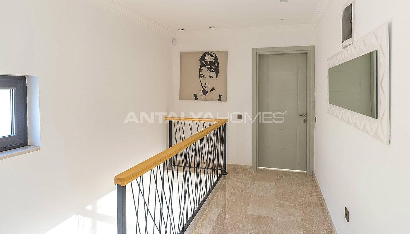 furnished-duplex-house-in-the-tranquil-location-of-kalkan-interior-10.jpg