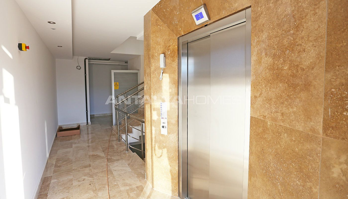 high-class-property-with-separate-kitchen-in-antalya-007.jpg