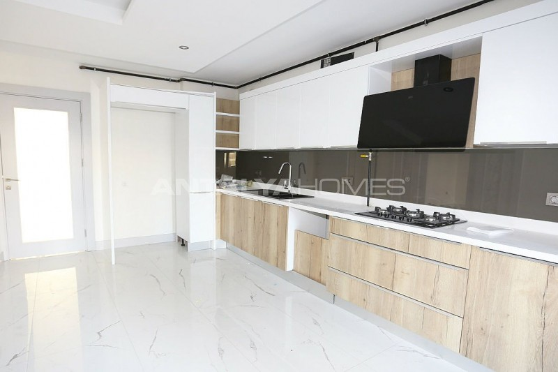 high-class-property-with-separate-kitchen-in-antalya-interior-004.jpg
