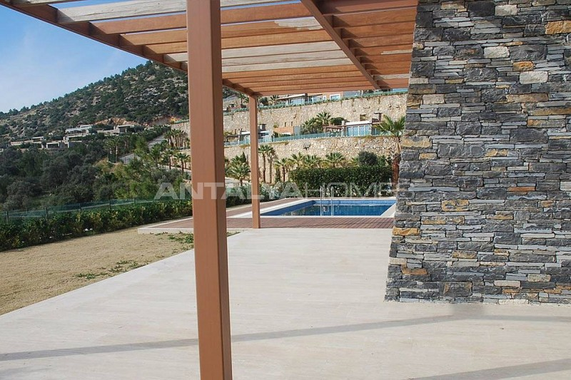 spacious-modern-villa-in-the-prestigious-complex-in-bodrum-005.jpg