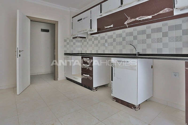 2-bedroom-apartments-in-kepez-with-separate-kitchen-interior-005.jpg
