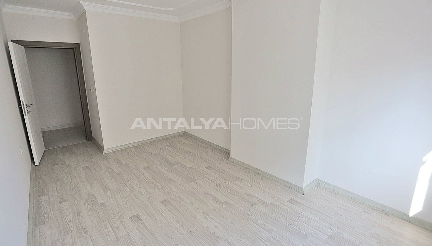 2-bedroom-apartments-in-kepez-with-separate-kitchen-interior-012.jpg