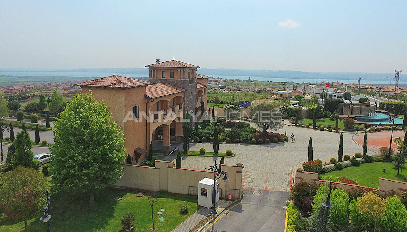 authentic-detached-villas-in-istanbul-with-private-pool-016.jpg