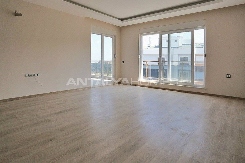city-view-apartments-in-kepez-with-separate-kitchen-interior-002.jpg