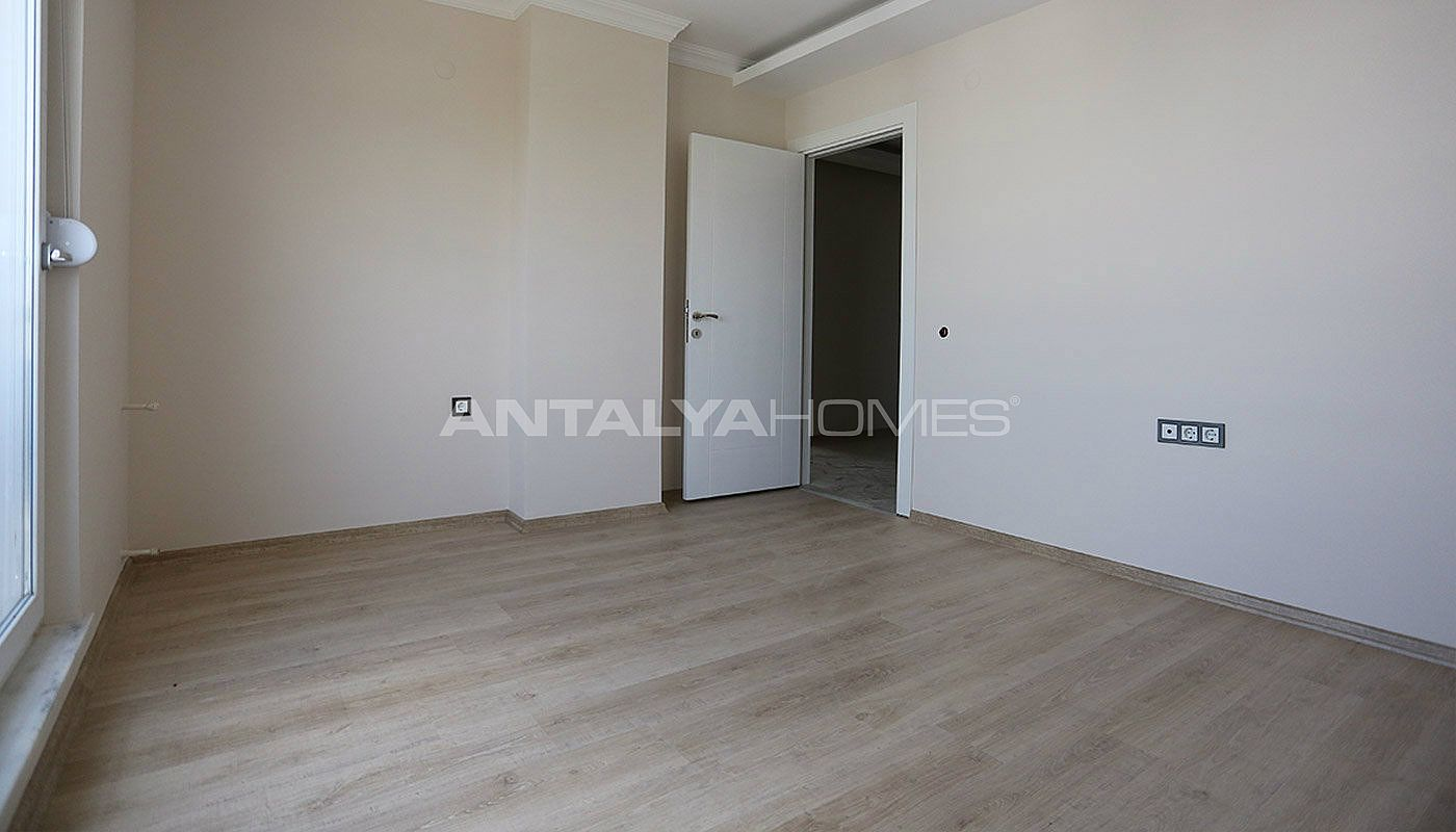 city-view-apartments-in-kepez-with-separate-kitchen-interior-011.jpg