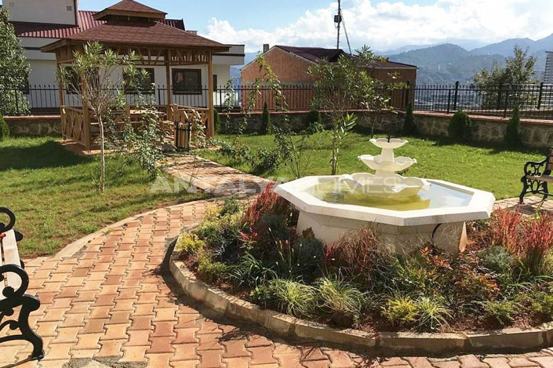 family-friendly-trabzon-property-with-large-social-area-003-.jpg