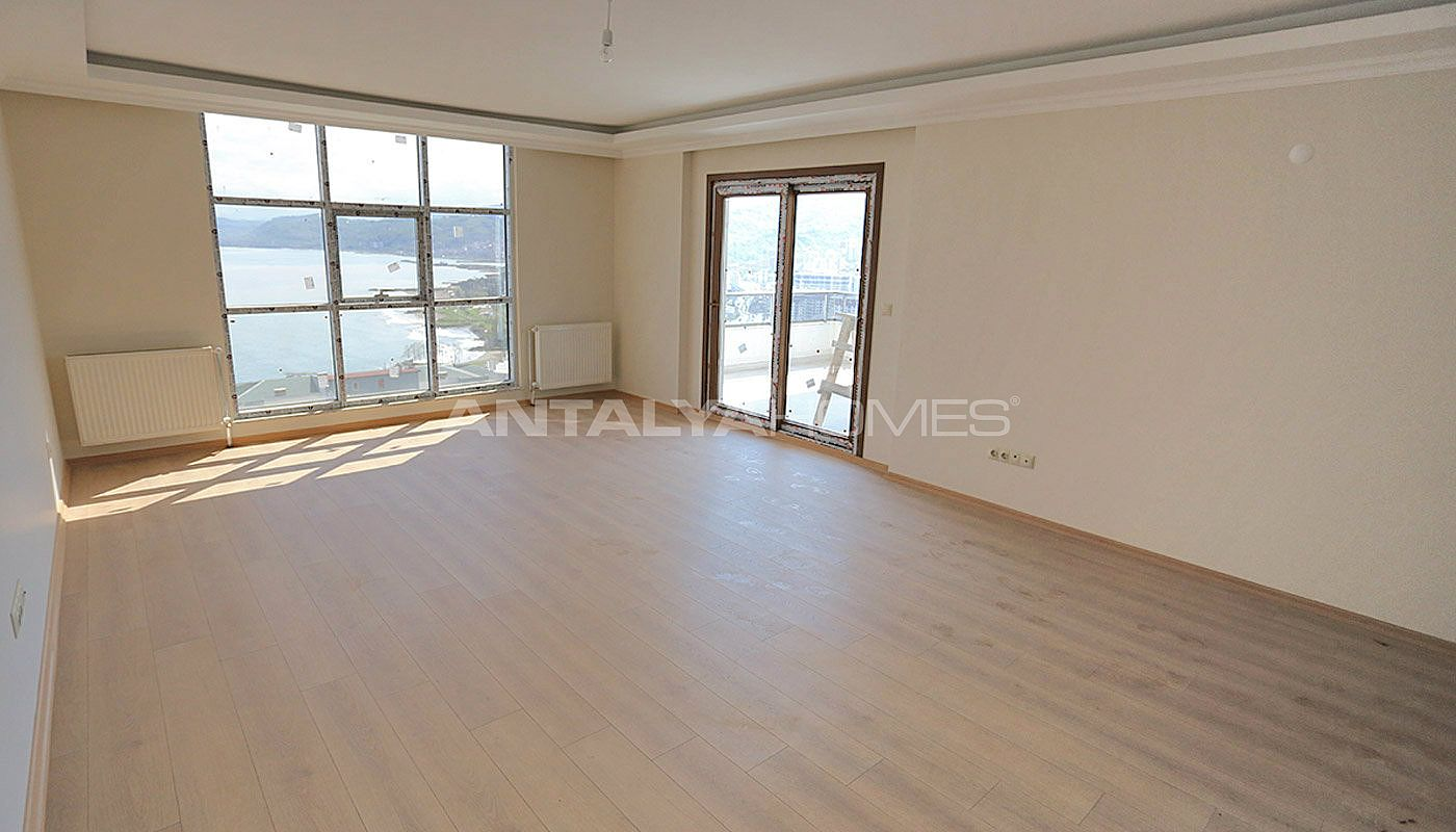 family-friendly-trabzon-property-with-large-social-area-interior-002.jpg