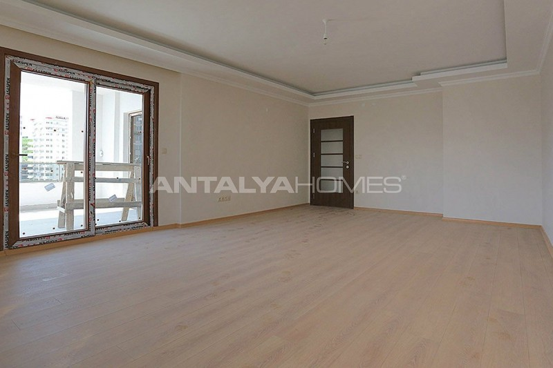 family-friendly-trabzon-property-with-large-social-area-interior-003.jpg