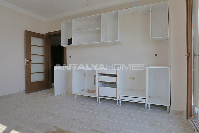 family-friendly-trabzon-property-with-large-social-area-interior-007.jpg