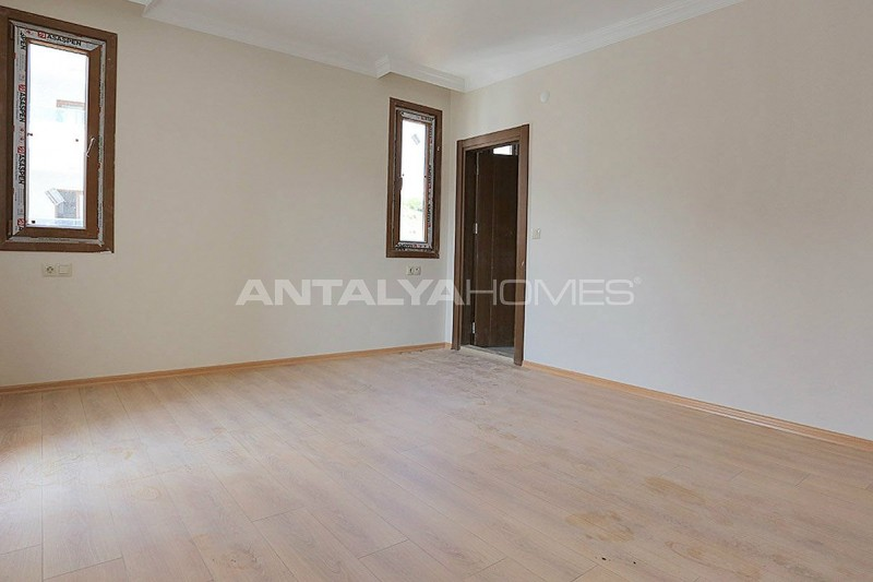 family-friendly-trabzon-property-with-large-social-area-interior-008.jpg